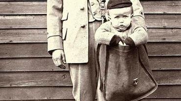 Rodzice wysłali dziecko pocztą