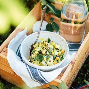 Lekki obiad latem to jest to, czego nam trzeba, gdy jest gorąco. Świetnie sprawdzą się dania z dodatkiem warzyw, które mają jeszcze tę zaletę, że robi się je szybko.