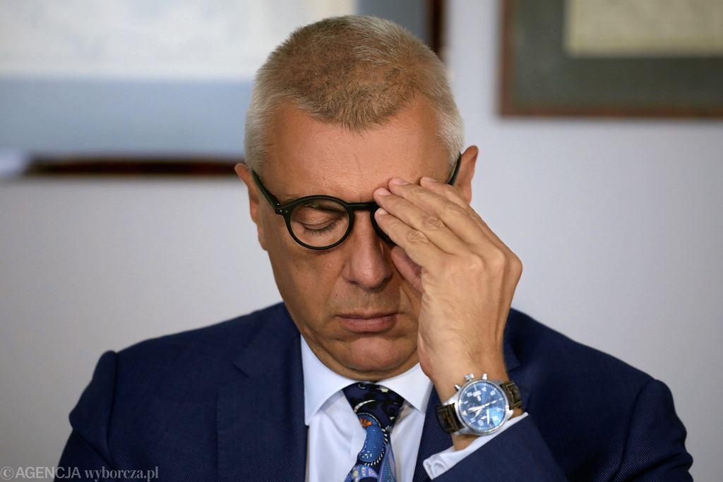 Mecenas Roman Giertych podczas konferencji prasowej w swojej kancelarii. Warszawa, 29 sierpnia 2019