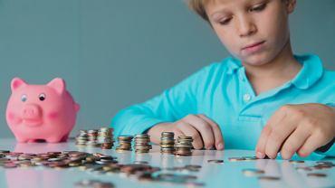 Kieszonkowe uczy dzieci wartości pieniądza i oszczędzania.