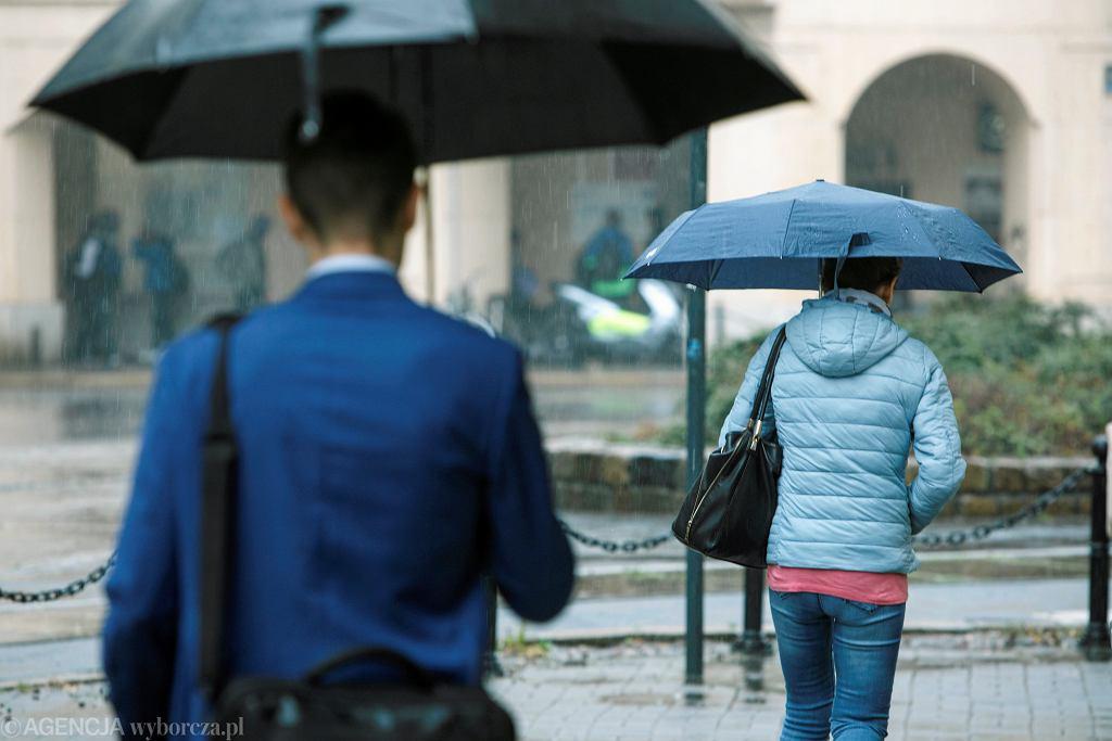 IMGW ostrzega przed intensywnymi opadami deszczu na Podkarpaciu (zdjęcie ilustracyjne)