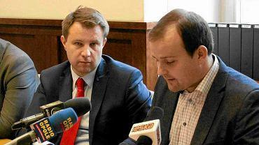 Arkadiusz Wiśniewski i Mateusz Magdziarz współpracowali w ratuszu. Teraz spotkają się w sądzie, po dwóch stronach barykady.