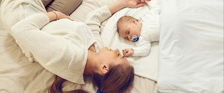 Rekordowy miesięczny zasiłek macierzyński wyniósł prawie 80 tys. zł