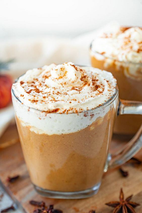 Pumpkin spice latte - sposób na efektowną, rozgrzewającą i pyszną kawę