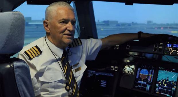 Kapitan Steve Fenton z Emirates w centrum szkolenia załóg w Dubaju