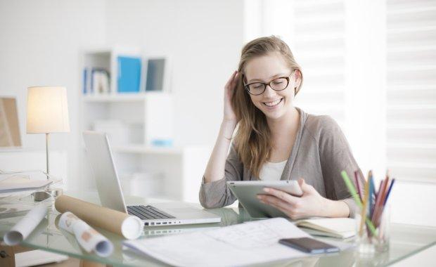 Młodzi przedsiębiorcy w internecie