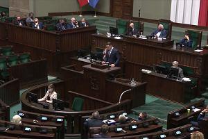 Polska wprowadziła stan wyjątkowy przy granicy z Białorusią. Poseł Łukasz Mejza chwali prezydenta Dudę i rząd PiS