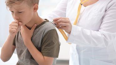 Chrypka u dziecka może być objawem wielu schorzeń. Zdjęcie ilustracyjne
