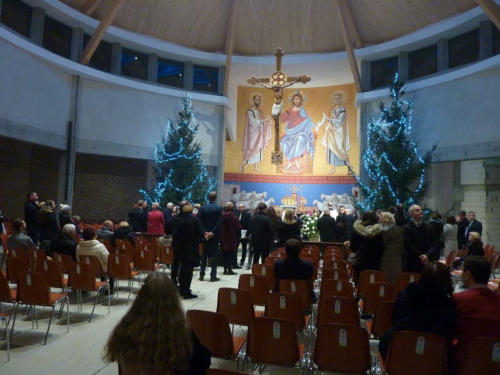 Pierwsza pasterka w kościele pw. św. Jana Pawła II na Warszewie