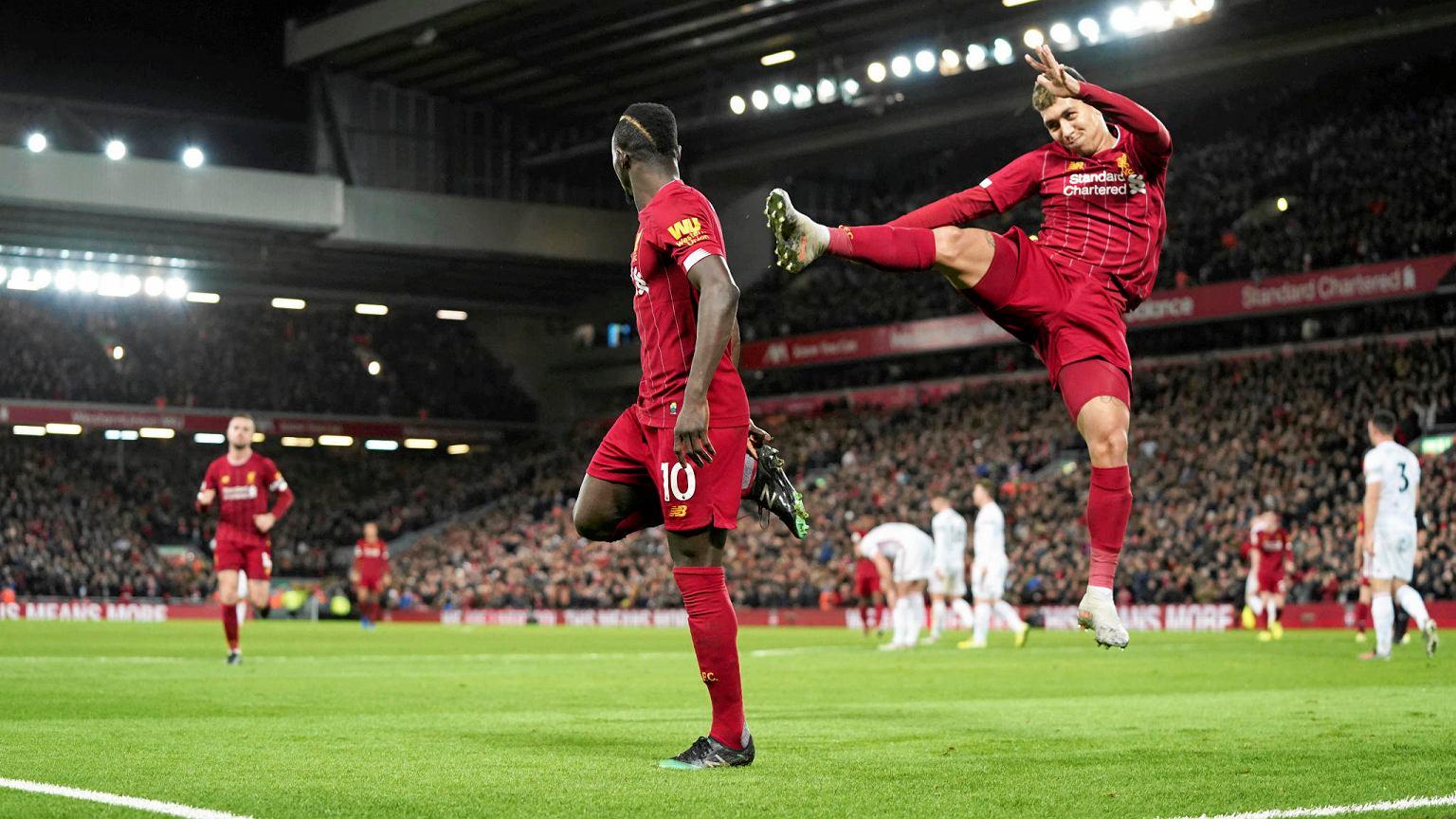 Liverpool wygrał z Tottenhamem w hicie Premier League! Kosmiczny rekord pobity! Piłka nożna - Sport.pl