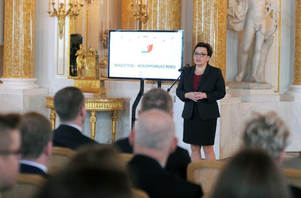 Minister Anna Zalewska podczas Gali Nauczyciel-Wolontariusz Roku na Zamku Królewskim w Warszawie, 09.10.2017 r.
