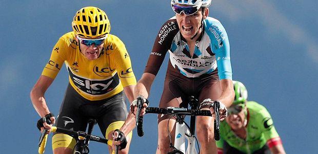 Od lewej: Chris Froome, Romain Bardet, w tyle Rigoberto Uran. Fot. CHRISTOPHE ENA/AP