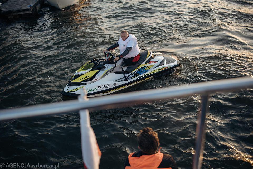 Zdjęcie numer 1 w galerii - Niepełnosprawny przepłynął skuterem wodnym z Warszawy do Gdańska