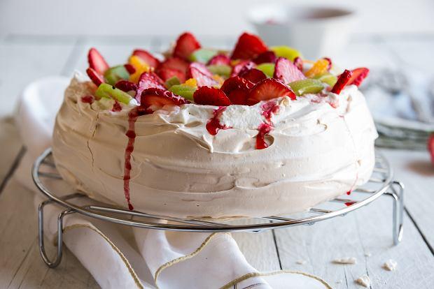 Beza - jak zrobić ten pyszny i efektowny deser? Mamy przepis i kilka porad
