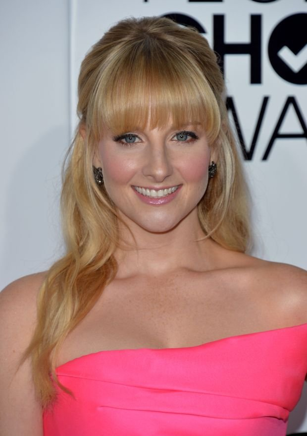 Melissa Rauch arrives at the 40th annual People's Choice Awards at Nokia Theatre L.A. Live on Wednesday, Jan. 8, 2014, in Los Angeles. (Photo by John Shearer/Invision/AP)