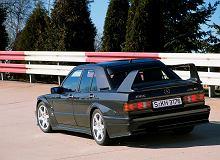 Powstał z konieczności, a teraz jest obiektem kultu. Mercedes-Benz 190 E 2.5-16 Evo II ma już 30 lat