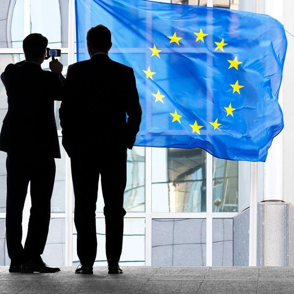 Podczas ważnych zagranicznych spotkań tłumacz pełni rolę wsparcia i zwykle nie jest partnerem w dyskusji