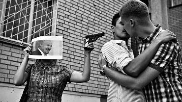 Nalot z automatami na klub, pobicie ze skutkiem śmiertelnym. Co czeka gejów, kiedy Polska zmieni się w Białoruś