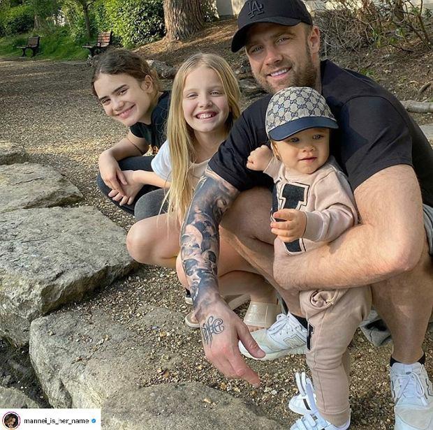 Artur Boruc z dziećmi