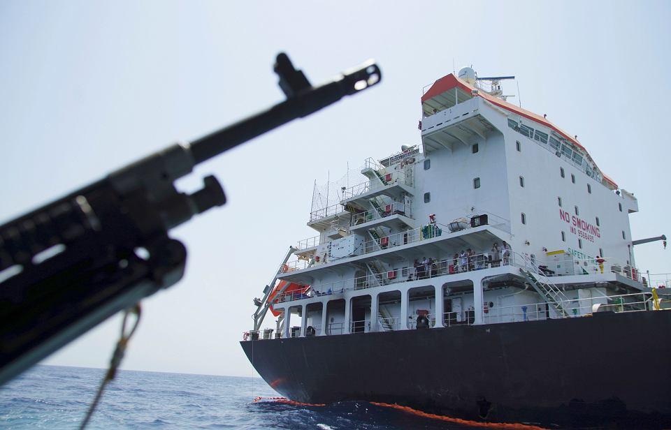 Przez Cieśninę Ormuz płynie 30 proc. morskiego transportu ropy  naftowej na świecie. Eskalacja konfliktu zachwiałaby rynkiem tego surowca