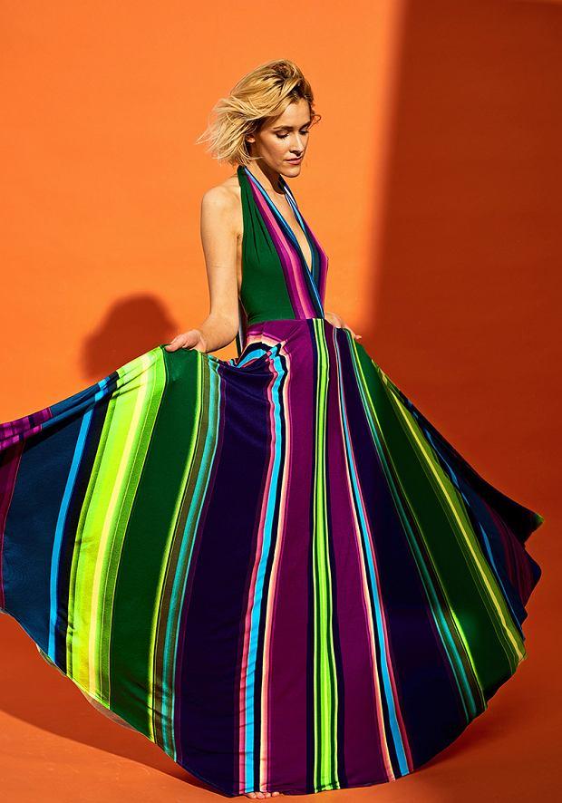 Suknia z dekoltem amerykańskim
