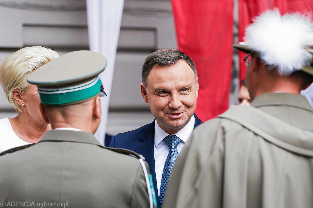 Prezydent Andrzej Duda z żoną Agatą Kornhauser-Dudą w II LO
