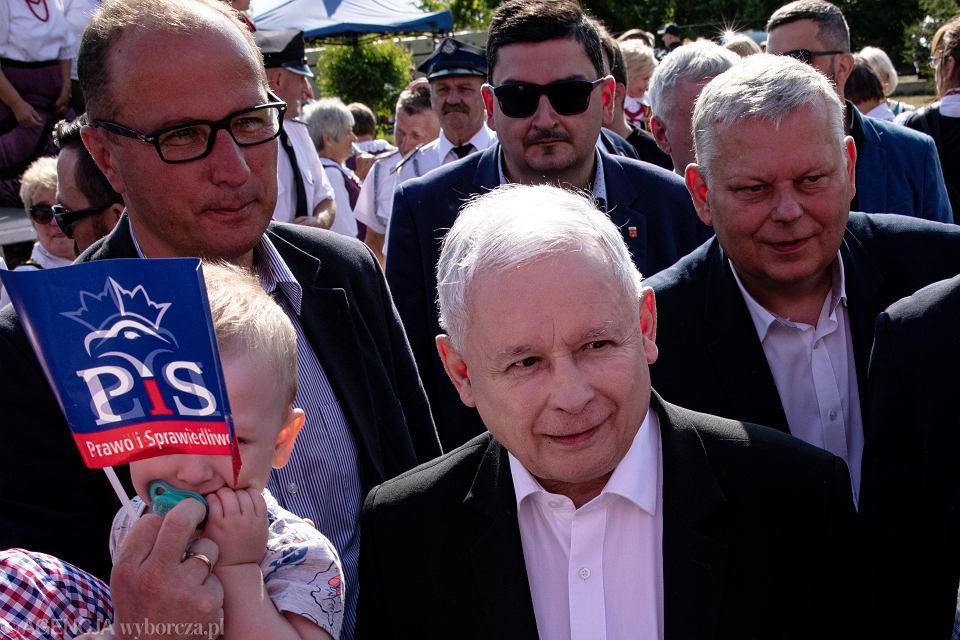 Jarosław Kaczyński podczas pikniku rodzinnego Prawa i Sprawiedliwości w miejscowości Kuczki Kolonia, 14 lipca 2019.
