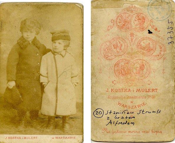Stanisław (1881-1947) i Alfred (1883-?) Strumffowie; synowie Marii Jadwigi Strumff, ok. 1890 roku. Zakład fotograficzny J. Kostka i Mulert, Warszawa (1872-1907)