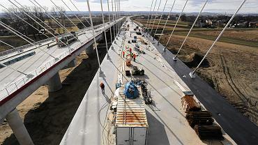 Kraków, budowa mostu na drodze ekspresowej S7