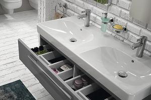 Przechowywanie w łazience: szafki, półki, organizery