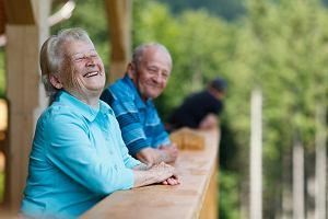 Optymiści żyją dłużej - są na to dowody naukowe. Optymizmu można się nauczyć