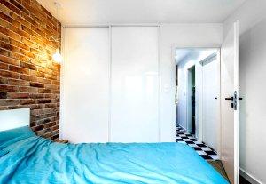 Pojemna szafa do małego pokoju