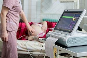 Poród po terminie - co powinno zaniepokoić? Kiedy jak najszybciej udać się do lekarza?