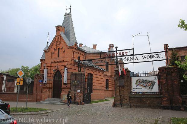 Biura, handel i hotel w dawnej fabryce wódek