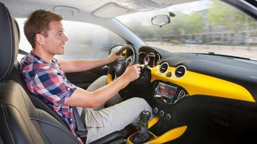 Odpowiednia pozycja za kierownicą przekłada się na wygodną i bezpieczną podróż