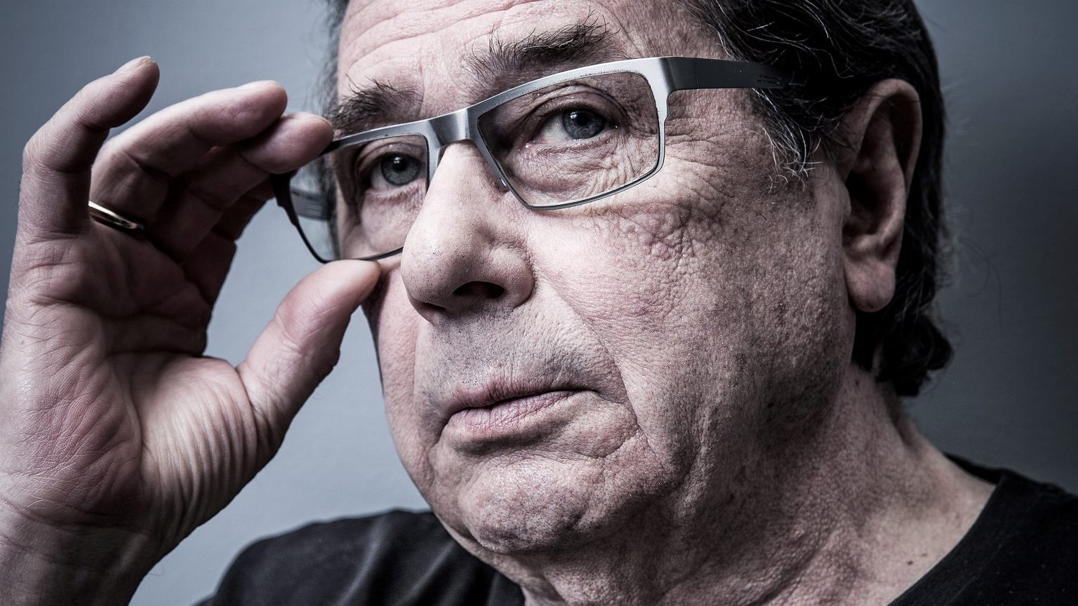 Janusz Gajos o władzy i wyborach: Zmusza ludzi, żeby wzięli na siebie ryzyko zachorowania. To obrzydliwe