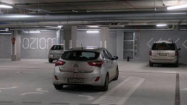 Parking podziemny w biurowcu Za Bramką