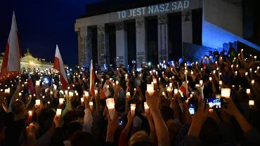 Łańcuch światła pod Sądem Najwyższym, Warszawa, 16.07.2017