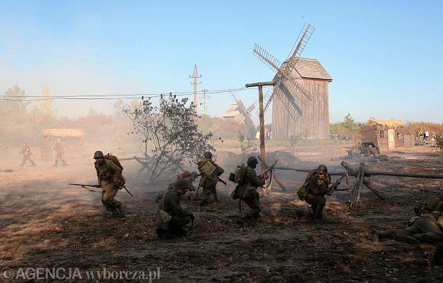 Zdjęcie numer 0 w galerii - Jak polska piechota i kawaleria walczyły z Niemcami. Inscenizacja bitwy sprzed 80 lat [ZDJĘCIA]
