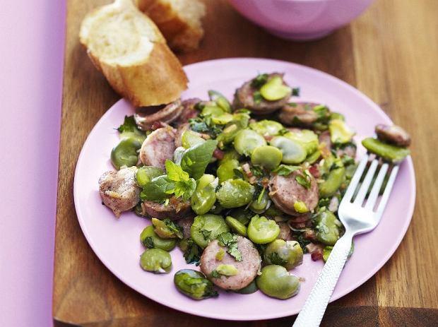 Bób jest popularnym składnikiem wielu potraw.