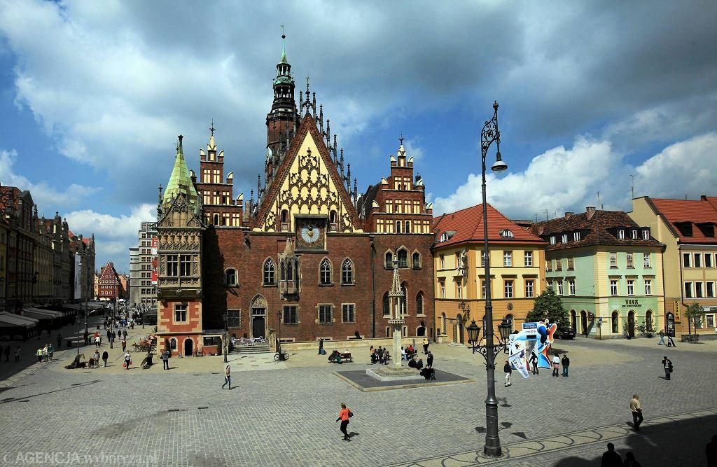 Rynek we Wrocławiu. To miasto ma najlepszą reputację w Polsce / MIECZYSŁAW MICHALAK