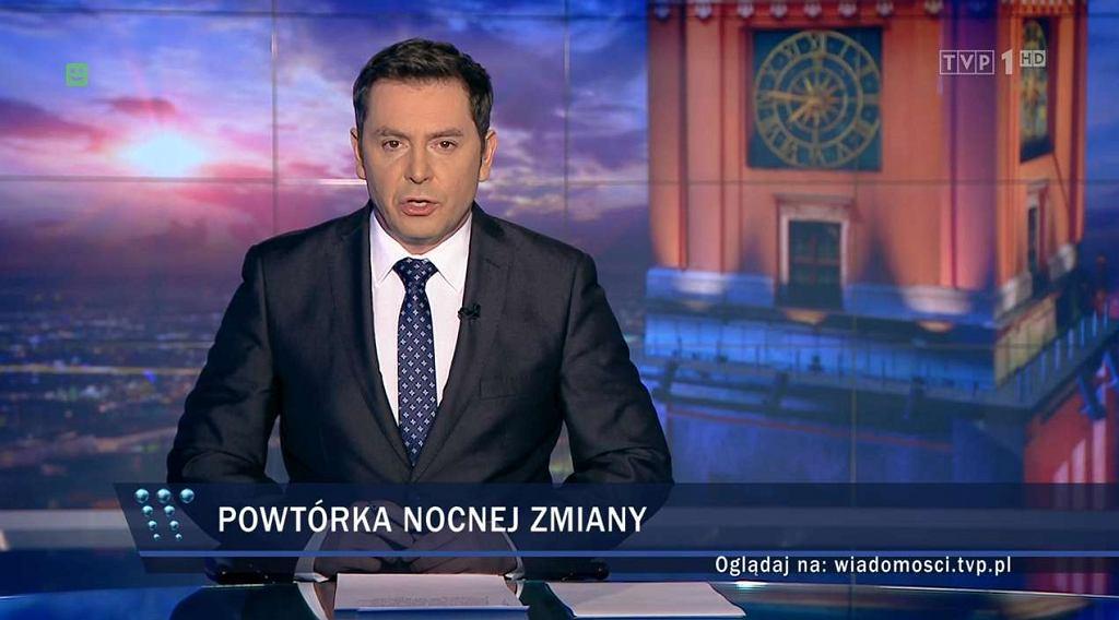 Wydanie 'Wiadomości' 17 grudnia prowadził Michał Adamczyk. Jak dziennik TVP pokazał antyrządowe demonstracje i protest w Sejmie