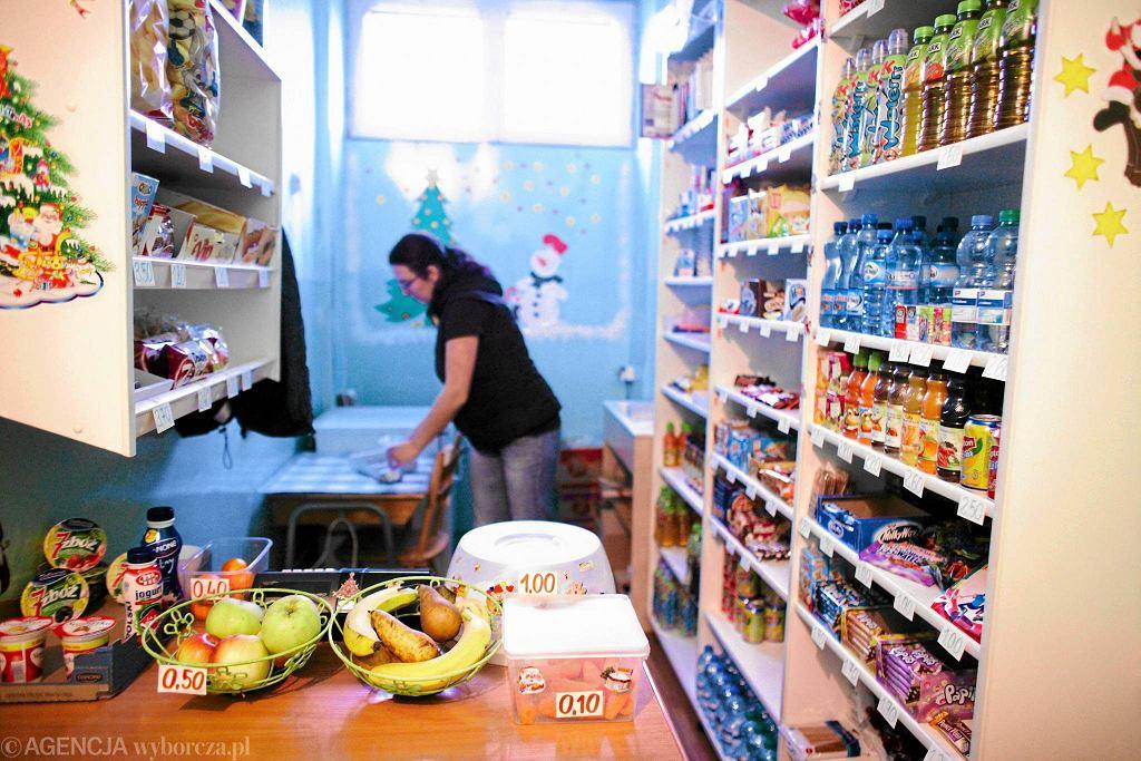 Sklepik ze zdrową żywnością w podstawówce przy ul. Emilii Plater w Łodzi