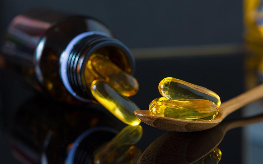 Olej z wiesiołka - dlaczego jest pomocny?