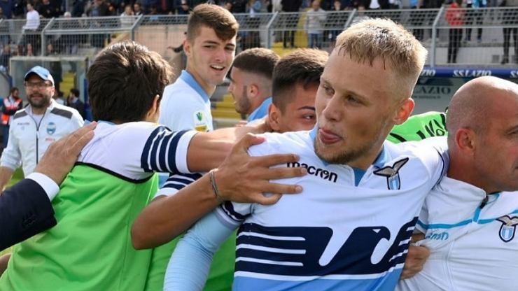 19-letni Polak zaliczył sensacyjny debiut w Lazio w meczu Ligi Mistrzów!