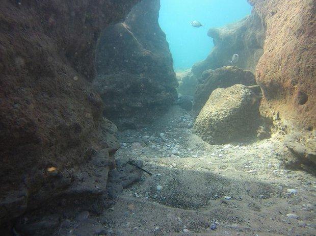Przesmyk w Jaskiniach Gordona/Fot. CC BY 2.0/iluxave/ Flickr.com