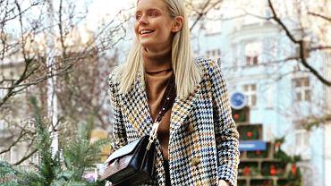 Olga Kalicka postanowiła kupić choinkę. Zachwyciła fanki mega modną stylizacją złożoną z samych znanych marek. Wygląda super!