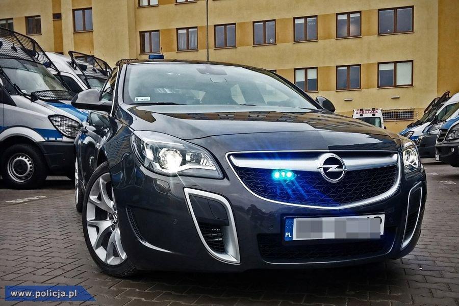 Policyjny Opel Insignia OPC