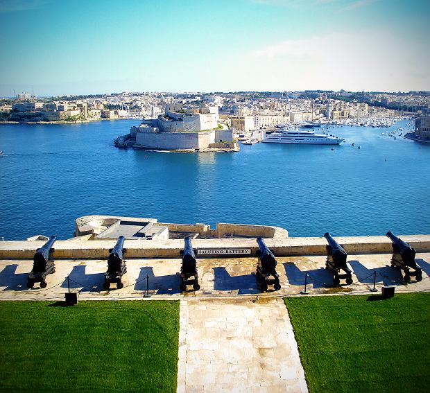 Saluting Battery na Malcie