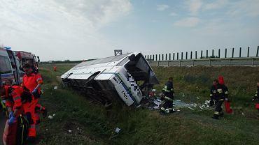 Konstantynowo. Wypadek autobusu na drodze krajowej nr 91